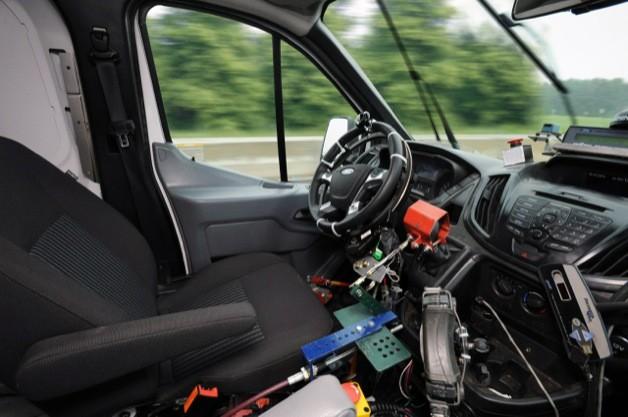 mobil ford tanpa pengemudi