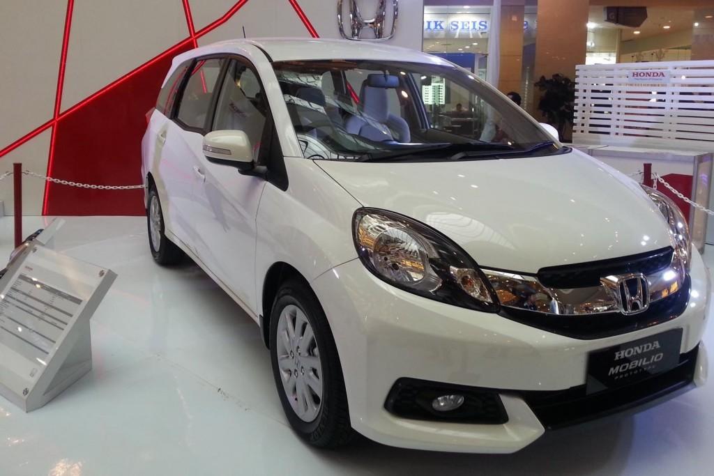 Honda-Mobilio-3