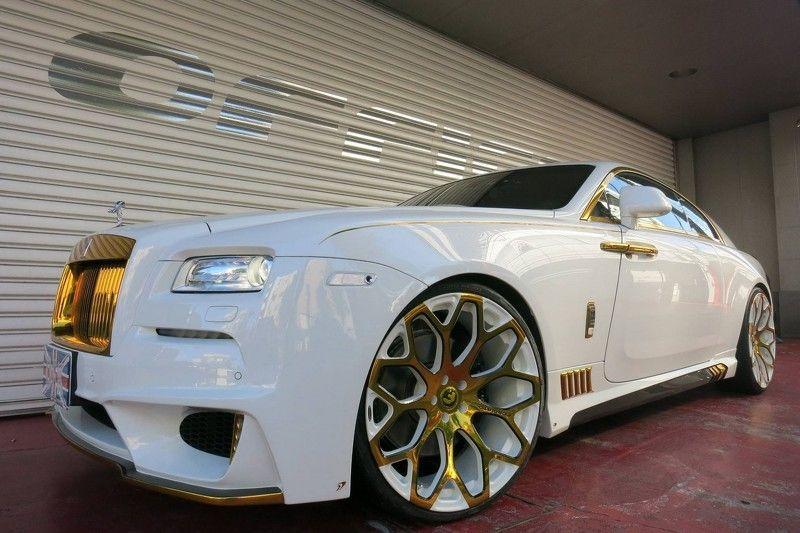 hasil modifikasi mobil mewah ini berlapis emas