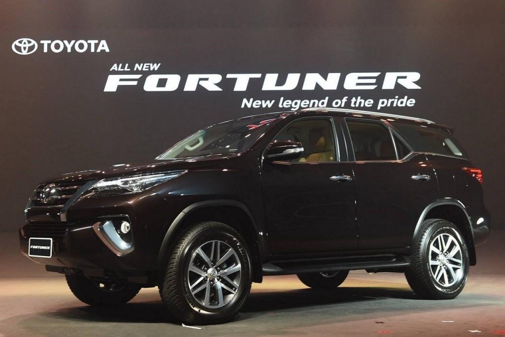 2016-Toyota-Fortuner-Thailand