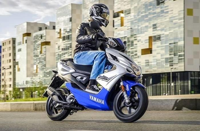Yamaha-Aerox-125-2016-Indonesia-700x459