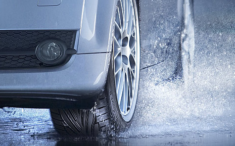 tips-to-avoid-car-skidding-aquaplaning