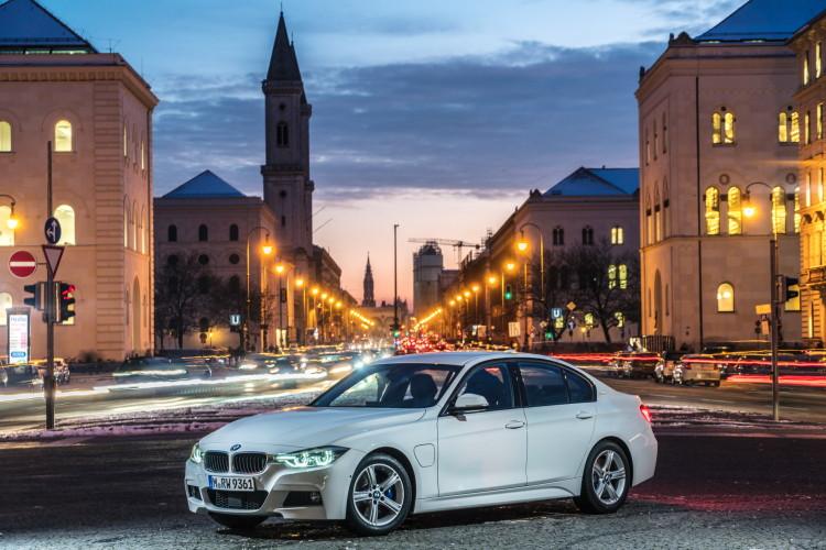 BMW-330e-images-42-750x500